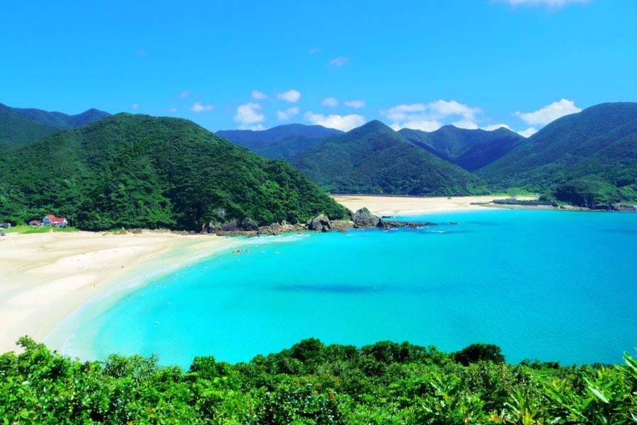 高浜海水浴場|日本一美しいと言われる白い砂浜、極上ビーチ/五島 ...