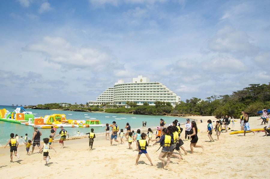 もう海開き⁉ 3月17日(土)人気の万座ビーチで海開きイベントが開催 ...