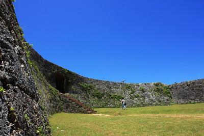 琉球史ヒーローのひとり、護佐丸が築城した座喜味城